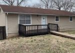 Foreclosed Home en HILLDALE DR, Neosho, MO - 64850