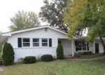 Foreclosed Home en W ADAMS ST, Saint Charles, MO - 63301