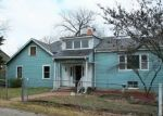 Foreclosed Home en WALROND AVE, Kansas City, MO - 64132