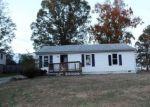 Foreclosed Home en HICKORY TREE DR, Richmond, VA - 23227