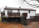 Foreclosed Home en DOGWOOD DR, Seymour, CT - 06483