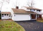 Foreclosed Home en ARBOR DR, Torrington, CT - 06790