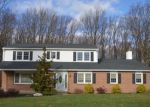 Foreclosed Home en BUCK HILL DR, Southampton, PA - 18966