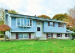 Foreclosed Home en BLUE RIDGE DR, Nazareth, PA - 18064