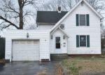 Foreclosed Home en TOLLAND ST, East Hartford, CT - 06108