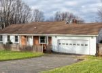 Foreclosed Home in MAPLE LN, Brookfield, CT - 06804