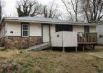 Foreclosed Home en HENDERSON AVE, Poplar Bluff, MO - 63901