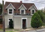 Foreclosed Home en OAK TER, Reading, PA - 19606