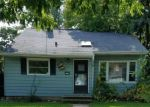 Foreclosed Home en W CALDWELL CT, Milwaukee, WI - 53218