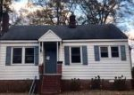 Foreclosed Home en KENSINGTON AVE, Colonial Heights, VA - 23834