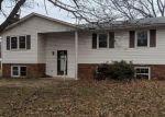 Foreclosed Home en ELMHURST RD, Severn, MD - 21144