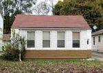 Foreclosed Home en RIDGEMONT RD, Grosse Pointe, MI - 48236