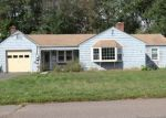 Foreclosed Home en GLENVIEW DR, Newington, CT - 06111