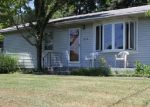 Foreclosed Home en MARSHALL LN, Derby, CT - 06418