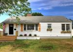 Foreclosed Home en MEADOWS END RD, Milford, CT - 06460