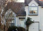 Foreclosed Home en HIDDEN LAKE PL, Newport News, VA - 23602