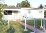 Foreclosed Home en E 9TH LN, Hialeah, FL - 33013