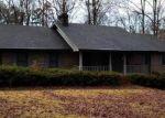 Foreclosed Home en OAK RD SW, Lilburn, GA - 30047