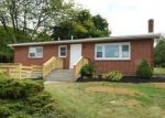 Foreclosed Home en OLD CARRIAGE RD, Bath, PA - 18014