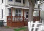 Foreclosed Home en GEM AVE, Bridgeport, CT - 06606