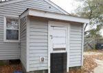 Foreclosed Home en PERDUE AVE, Petersburg, VA - 23803