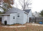 Foreclosed Home en PERDUE AVE, Petersburg, VA - 23803