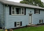Foreclosed Home en SUMMIT DR, North Branford, CT - 06471