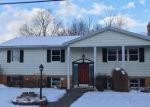 Foreclosed Home en S WASHINGTON AVE, Jermyn, PA - 18433