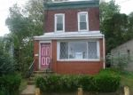 Foreclosed Home en CEDAR AVE, Darby, PA - 19023