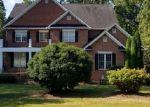 Foreclosed Home en HICKORY DR, Manakin Sabot, VA - 23103