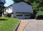 Foreclosed Home en SEA HILL RD, North Branford, CT - 06471