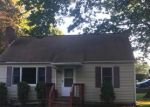Foreclosed Home en BUCKINGHAM AVE, Milford, CT - 06460