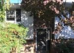 Foreclosed Home en CLOVER DR, Easton, PA - 18045
