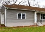 Foreclosed Home en ROSE PL, Huntington, NY - 11743