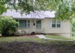 Foreclosed Home en ENGLEWOOD AVE, Kansas City, MO - 64138