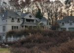 Foreclosed Home en HEATHER DR, New Canaan, CT - 06840