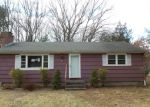 Foreclosed Home en EVERGREEN LN, Southington, CT - 06489