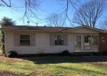 Foreclosed Home in COMANCHE DR, Henderson, KY - 42420