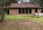 Foreclosed Home in EAGLE DR, Denham Springs, LA - 70706