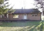 Foreclosed Home en W WOODWARD DR, Franklin, WI - 53132
