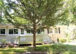Foreclosed Home en COLLINS RD, Bethany, CT - 06524