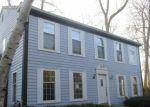 Foreclosed Home en N PELHAM PKWY, Milwaukee, WI - 53217