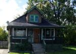 Foreclosed Home en CHALMERS ST, Detroit, MI - 48215