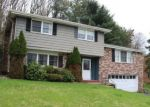 Foreclosed Home en CALMONT DR, Pittsburgh, PA - 15235