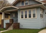 Foreclosed Home en GILSON ST, Racine, WI - 53403