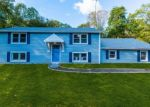 Foreclosed Home en HICKORY LN, Madison, CT - 06443