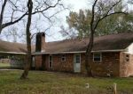 Foreclosed Home in WALKER SOUTH RD, Denham Springs, LA - 70726