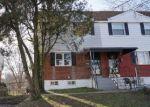 Foreclosed Home en FELTON AVE, Sharon Hill, PA - 19079