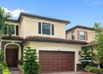 Foreclosed Home en W 33RD AVE, Hialeah, FL - 33018