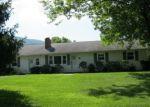Foreclosed Home en GOOSE CREEK VALLEY RD, Montvale, VA - 24122